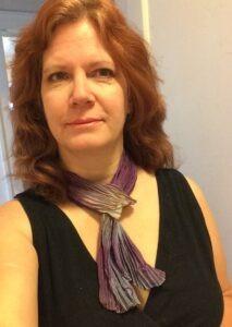wearing shibori dyed silk scarf slowyarn.com